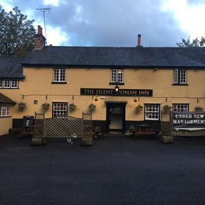 Owner of popular Northampton pub 'in talks' with new management to reopen