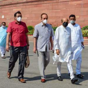 News updates from Hindustan Times: Opposition leaders to meet President at  5pm on farm bills and all the latest news