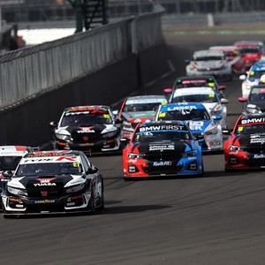 BTCC Silverstone: Cammish holds Ingram off for race one win