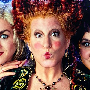 """Hocus Pocus"" Cast Reunion October 30th for Bette Midler's Hulaween Charity Gala - LaughingPlace.com"