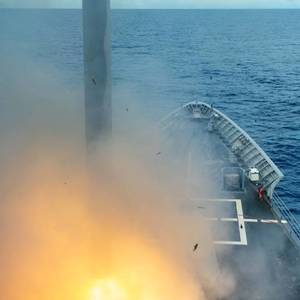 """""""Military News"""" """"Brave Shield"""" test-fires Tomahawk missiles in Guam waters, with more than 10,000 U.S. troops assembled-International"""