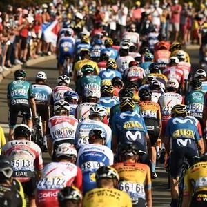 """Bradley Wiggins smashes Tour peloton action against racism: """"Worst solidarity action I've seen in the world of sport"""""""