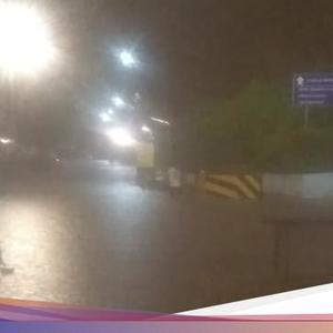 Rain in Jakarta, Flooded Bivouac Rubber Underpass 25 Cm