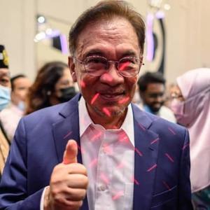 Anwar - I have strong majority, Muhyiddin's gov't has fallen