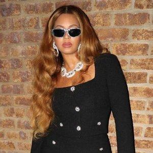 Beyonce Puts Her Curves On Full Display In Black Mini Skirt
