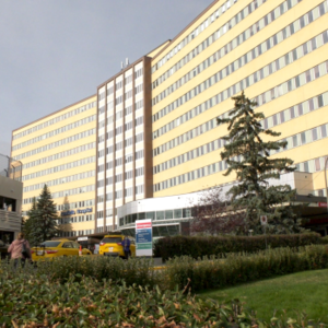 Second death connected to COVID-19 outbreaks at Calgary hospital, 4 more test positive