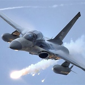 The IDF fighter is rumored to be double-teamed by 6 planes. The Air Force refutes that it is inconsistent with the facts