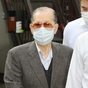 "Arrested former chairman of Japan Life and others of ""Self-proclaimed boy-raised"" Sakura no Kai ""Suspected Prime Minister"", contact with Shinzo Abe (Bunshun Online) --Yahoo! News"