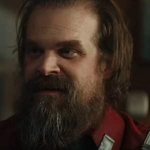 Black Widow Star David Harbour Apologizes To Fans After The Movie's Latest Delay