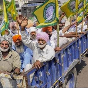 Opposition to the Agriculture Bill .. Farmers protest in Haryana .. Stalled traffic