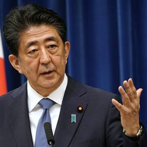 Japan's Abe hoping that Japan will ink peace treaty with Russia under new PM