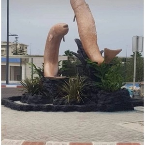 """A fish statue that was about to be completed, complaints were demolished one after another as """"obscene"""" (Morocco)"""