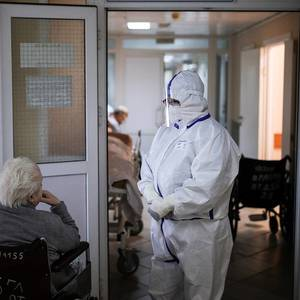 Nearly 218,000 remain under supervision over coronavirus in Russia