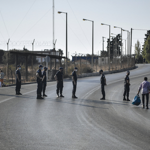 Greek police uses brutal violence and arbitrary bans to obstruct reporting on the refugee crisis