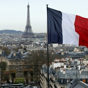 France's economic recovery stumbles in September: survey