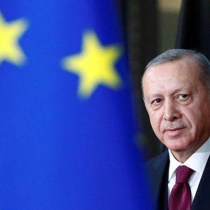 Turkey's Erdogan, France's Macron discuss Eastern Mediterranean tensions