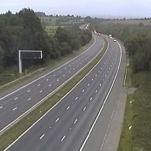 One critical after serious crash which leaves M1 shut today